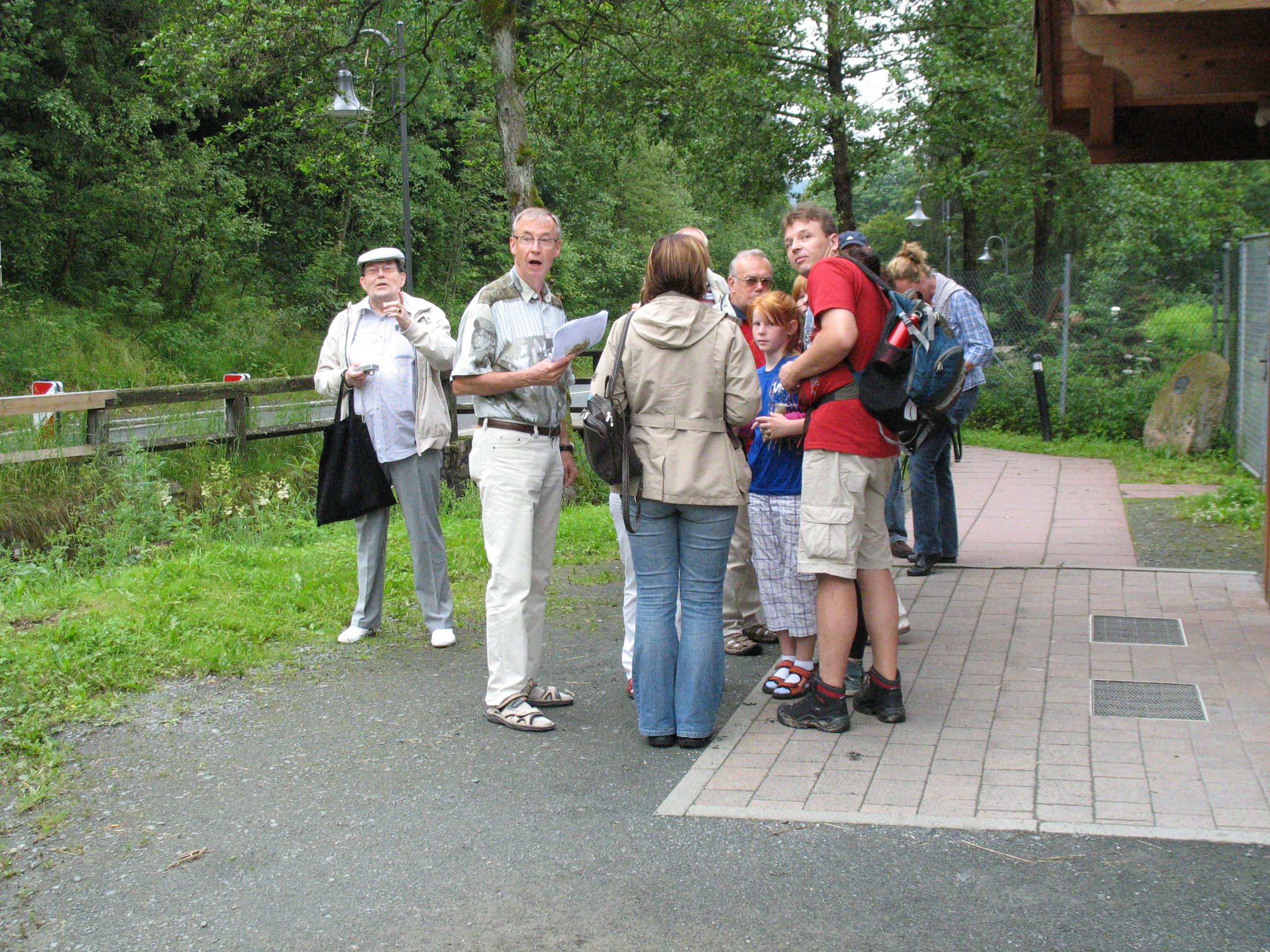 http://www.tsc-blausilber.de/media/bilder_intern/2012_Kraeuterwanderung_Blau-Silber/IMG_0043.JPG