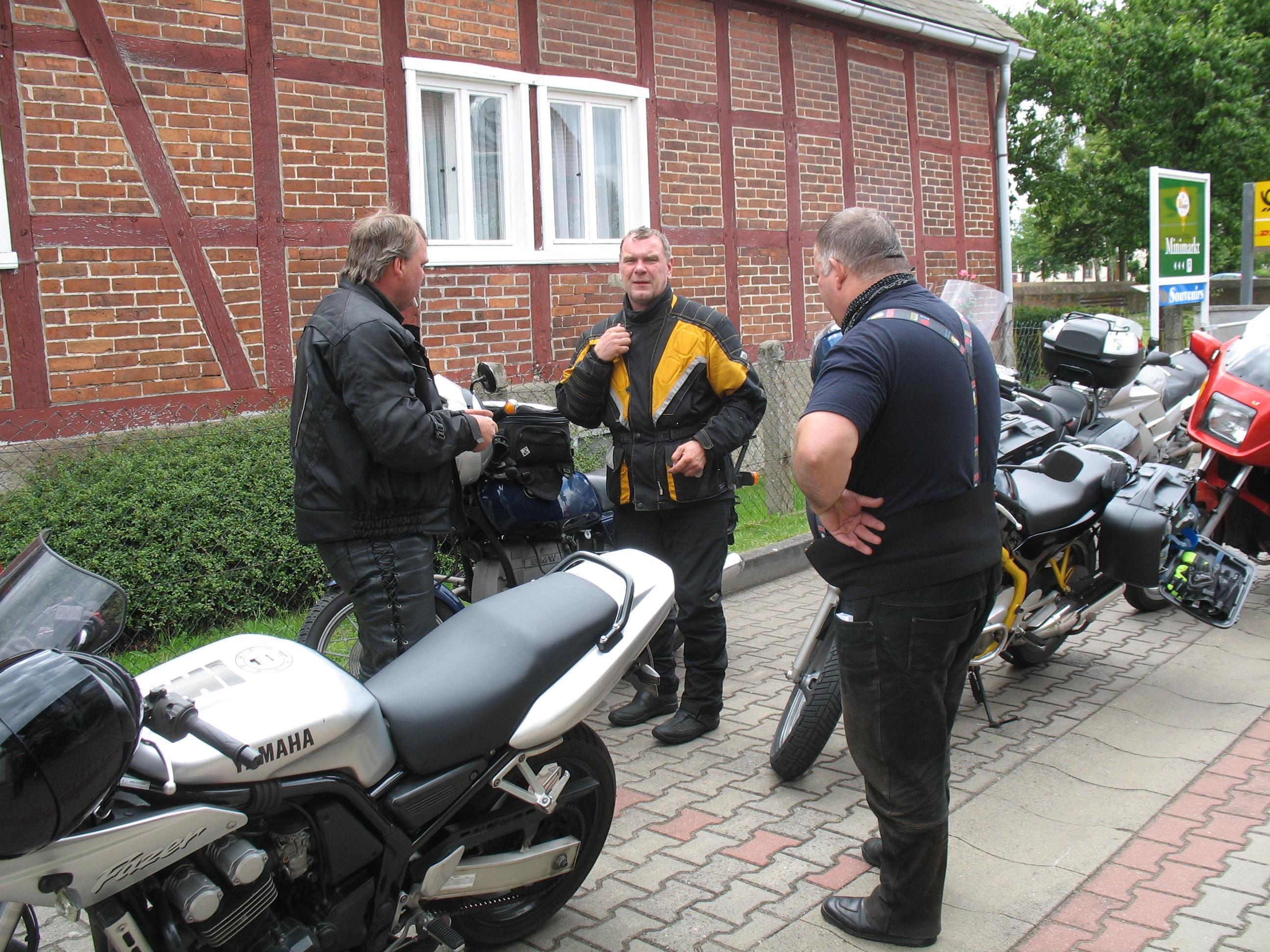 http://www.tsc-blausilber.de/media/bilder_intern/2012_Motorradtour/IMG_0005.JPG